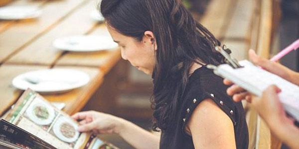 ေန႔စဥ္ဘ၀ ျဖတ္သန္းမႈ၀ယ္ အခ်ိန္ကုန္ အက်ပ္ရိုက္ေစသည့္ ဆံုးျဖတ္ခ်က္ခ်စရာ (၁၀)ခု
