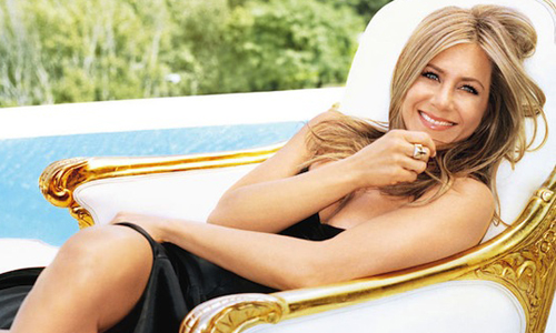 Jennifer Aniston တကယ္ပဲ  မိခင္ျဖစ္ေတာ့မွာလား