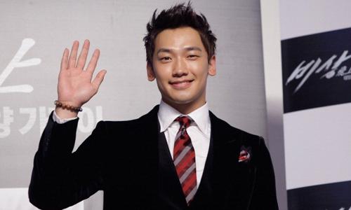 korean-singer-actor-rain-attends-the-second-day-of-busan-international-film-festival copy