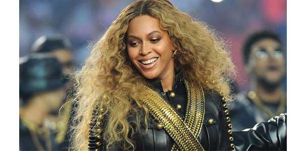 သူငယ္ခ်င္းကုိ ဂ႐ုစိုက္တဲ့ Beyonce