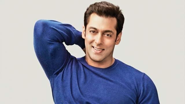 မိဘေတြႏွစ္ပတ္လည္ မွာ သီခ်င္းသီဆိုခဲ့တဲ့ Salman Khan