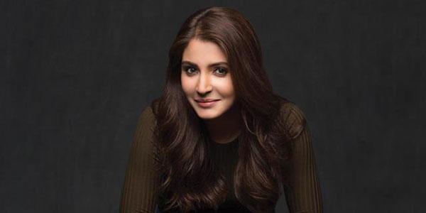 ေအာင္ျမင္မႈေတြ ရခဲ့သလုိ  ဆုေပါင္းမ်ားစြာ ဆြတ္ခူးခဲ့သူ အိႏၵိယနိုင္ငံရဲ႕ ထိပ္တန္းမင္းသမီးေလး Anushka Sharma