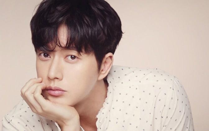 ပရိသတ္ေတြနဲ႕ သစ္ပင္ ၂၀၀၀ေက်ာ္စိုက္ပ်ိဳးခဲ့တဲ့  Park Hae Jin