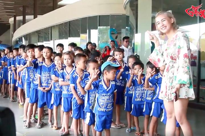 ေမြးေန႔မွာ မိဘမဲ့ကေလးမ်ားကို Water Boom ပို႔ေပးရင္း မ်က္ရည္က်ခဲ့ရတဲ့ အိမ့္ခ်စ္