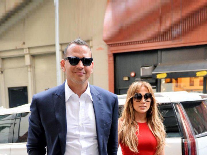 ေလာ့စ္အိန္ဂ်လိစ္မွာ ႐ံုးခန္းလာရွာေနတဲ့ Jennifer Lopez