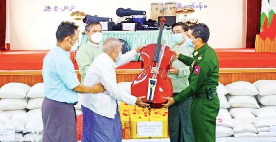 မန္တလေးမြို့မတူရိယာ အသင်း အတွက် နစကဥက္ကဌ ပေးအပ်ချီးမြှင့်သည့် တူရိယာပစ္စည်းများ လွှဲပြောင်းပေးအပ်